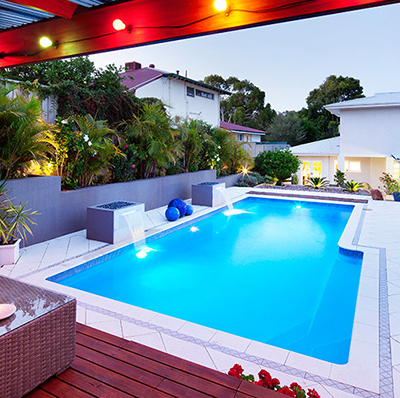 The Tasman – 9.5m x 4.4m fibreglass swimming pool