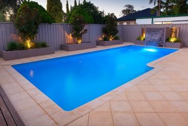 Tasman – 9.5m x 4.4m   (48,100 litres)